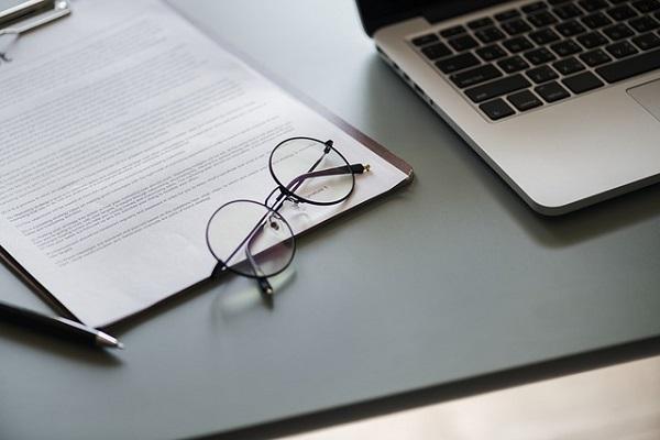 Contratos, nóminas y seguros sociales