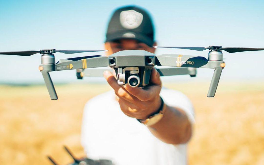 - drones - Escuelas de Tecnología y Comunicaciones